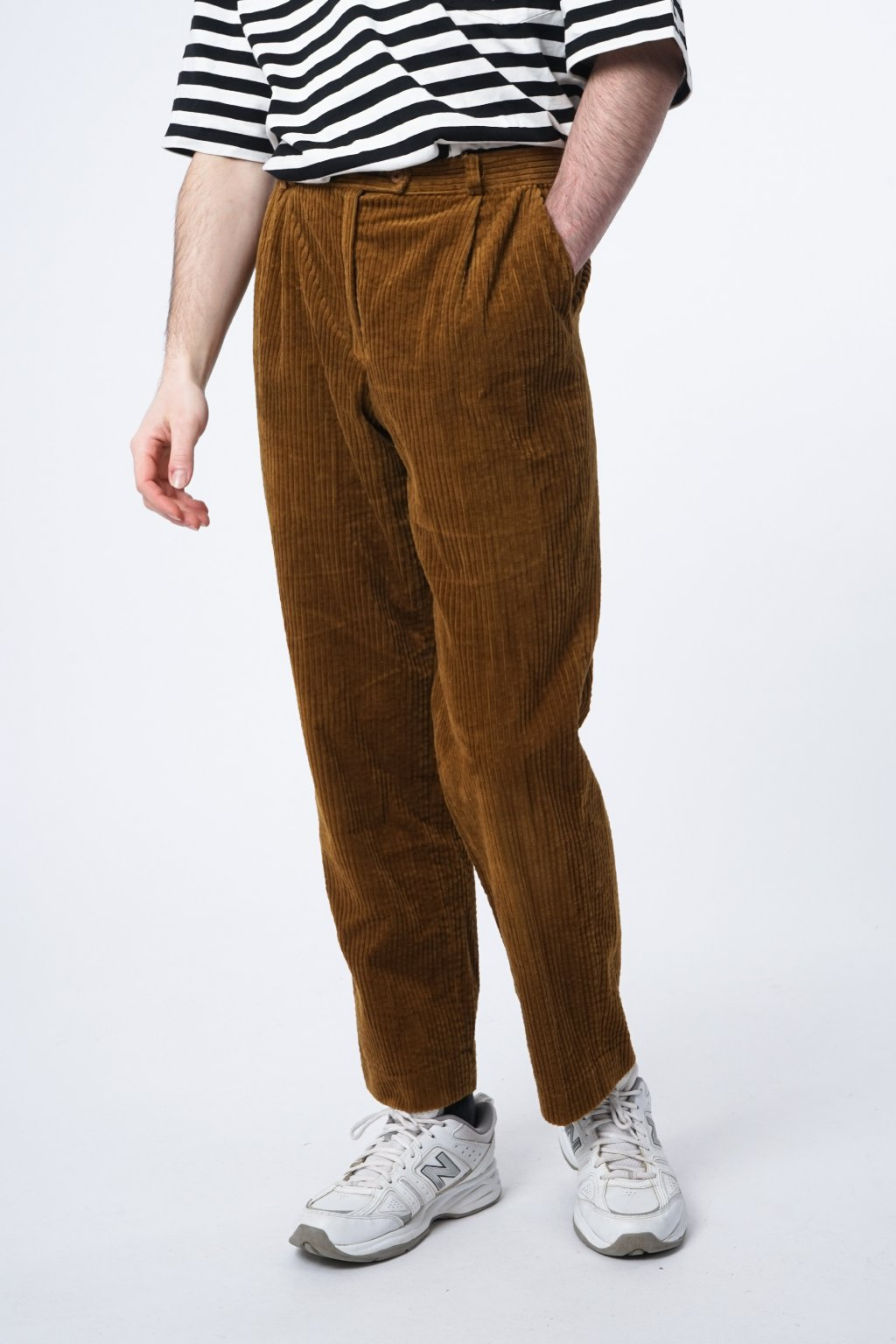 Corduroy trousers (38)